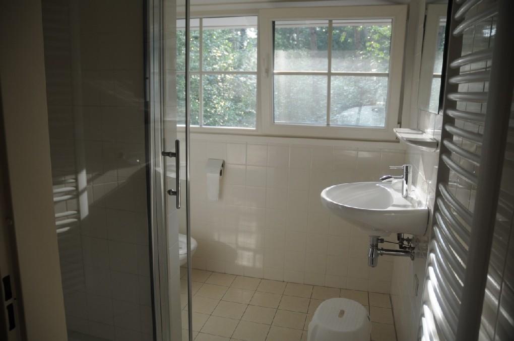 Badkamer Groenlo : ... in een bosrijk recreatiegebied, gelegen tussen ...